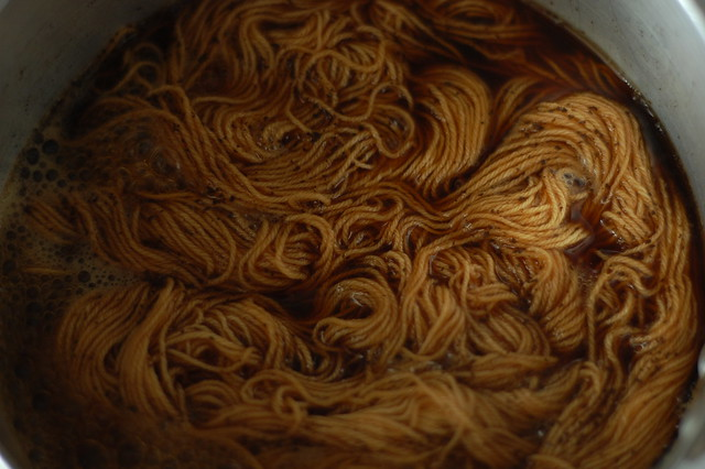 cotton yarn dyed in tea