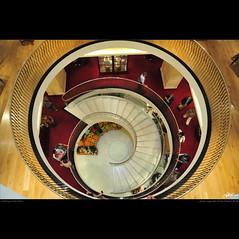 London in my eyes [29] - looking in the hole (guido ranieri da re: work wins, always off) Tags: london scale stairs nikon hole foro londra indianajones fortnummason d700 mygearandme mygearandmepremium nonsonoglianniamoresonoichilometri guidoranieridare londoninmyeyes 100shotsforlondon londraneimieiocchi 100scattiperlondra lookinginthehole
