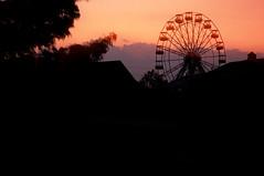 Ferris Rays (Fonald) Tags: park light sunset red wheel ferris flags theme rays six