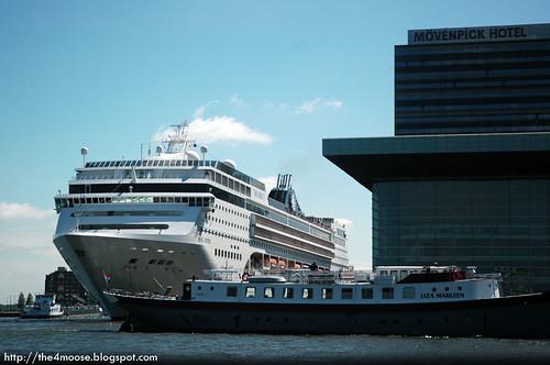 Amsterdam - Muziekgebouw and Cruise Liner