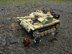 Sturmgeschtz III Ausfhrung G  v2011 finished 01 (Aaron Patrick Morse) Tags: soldier tank lego worldwarii ww2 tanks worldwar2 panzer moc wehrmacht panzers stugiii sturmgeschtz stug tankdestroyer panzerkampfwagen strumgeschutz