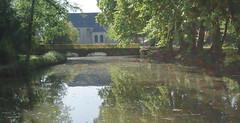 Petit pont (pgauti) Tags: bridge pentax lumire lac pont 77 parc reflets verdure aficionados sigma1020 5photosaday capucins coulommiers seinemarne k200d justpentax