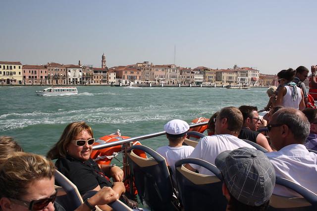 como llegar a Venecia en ferri