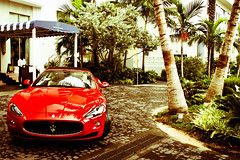 Welcome to Miami! (Tom Wolf | Photography) Tags: ocean road red usa black beach tom canon photography eos drive us washington wolf photographie miami hipster s mc lincoln avenue maserati bongos gransport 500d grantourismo worldcars grancabrio srradale
