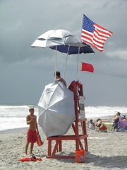 American life (201395) Tags: usa mer parasol plage unis drapeau tat floride atlantique maitre ocan nageur americain sauveteur supershot amerique abigfave anawesomeshot