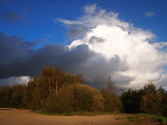the cloud (Michiel Thomas) Tags: cloud photographer natural explore threat fotograaf thecloud truecolors truecolours inexplore myphotosinexplore michielthomas mypictureinexplore myphotoinexplore mypicturesinexplore