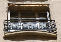 Art Nouveau window 3 - rue Agar, Hector Guimard building, Paris 16th arr (Monceau) Tags: window artnouveau railing hectorguimard rueagar