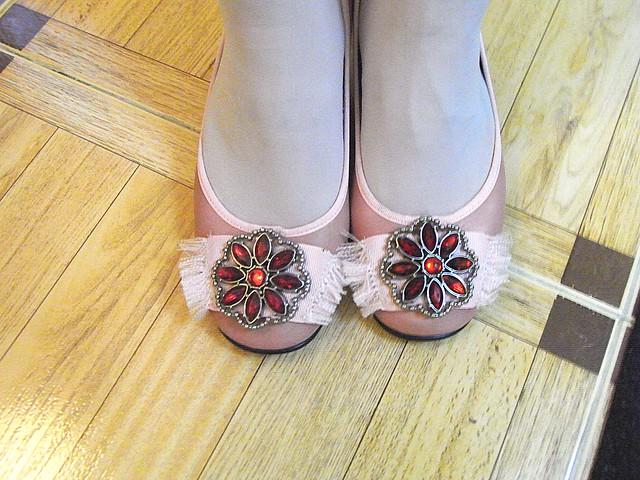 Zapatos rosas y rojos