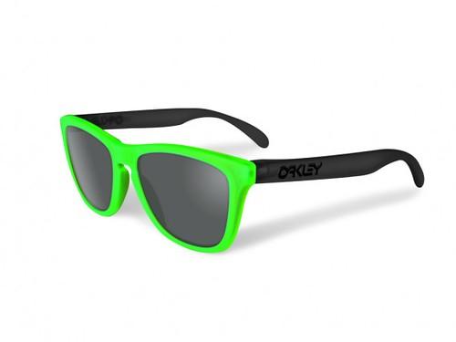 oakley-blacklight-frogskins black green
