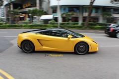 Singapore Lamborghini Gallardo LP560-4 Bicolore (Jon FotoWerkz) Tags: singapore lamborghini gallardo bicolore lp5604