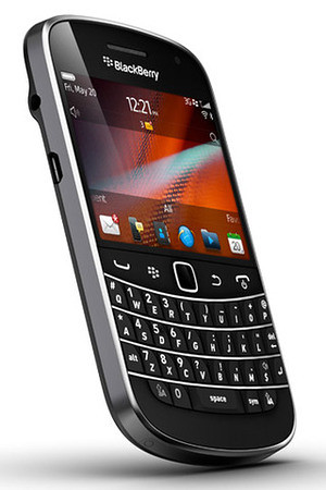 blackberry-bold-9900-touch-profile
