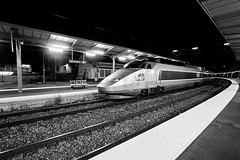 M31251_TGV_Bellegarde (aamengus) Tags: bw station night train blackwhite gare noiretblanc nb nuit pse tgv plm bellegarde efs1022mmf3545usm rhnesalpes eos7d