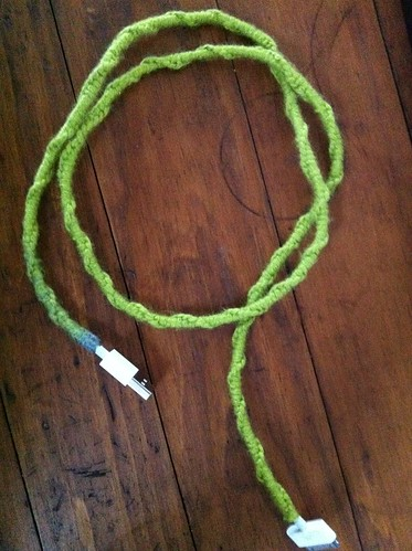Yarn-wrapped Apple cord