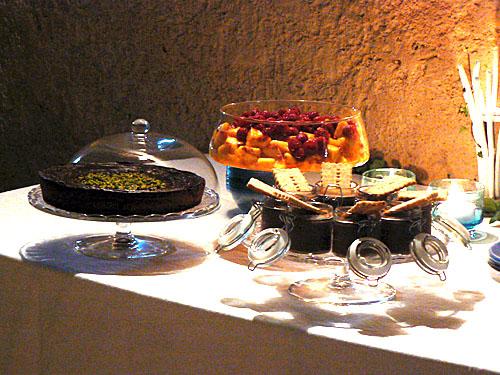 table des desserts chez val.jpg