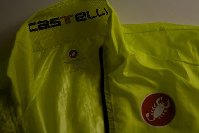 Castelli ウィンドブレイカー