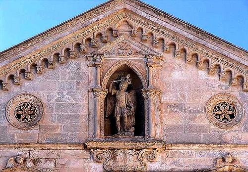San Miguel Arcangel en la fachada