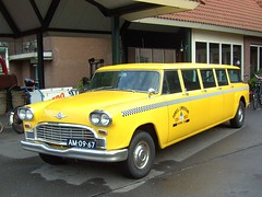 1966 Checker Aerobus (Davydutchy) Tags: classic car hotel cab taxi limo stretch september oldtimer veteran checker tatra klassiker 2011 jahrestreffen trn aerobus derijp herfstmeeting annualrally tatraregisternederland rijpereilanden