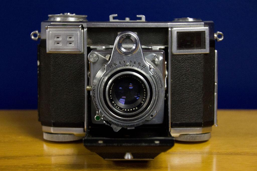 IMAGE: http://farm7.static.flickr.com/6176/6176026939_16023fcb75_b.jpg