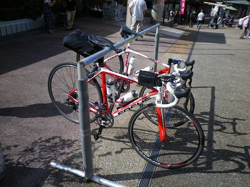 道の駅にバイクラックがあった