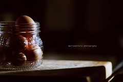 Light. (Maria Dattola) Tags: light stilllife canon eos  eggs luce 2011 uova 85mmlens 1000d mariadattola