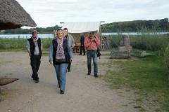 NDR-Reporterin Anke Harnack mit Team bei den Wikinger Häuser – Wikinger Museum WHH 16-09-2011