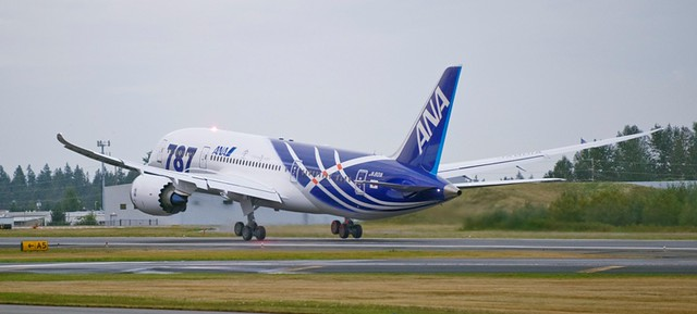First ANA Boeing 787 takes flight