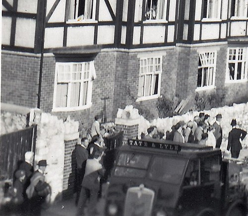 Tate & Lyle lorry accident. 1940s. Unidentified location (enlarged detail)