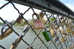 Pont des Arts (Carol M,) Tags: paris rio des pont artes sena cadeados
