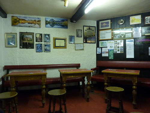 Inside the Old Dungeon Ghyll