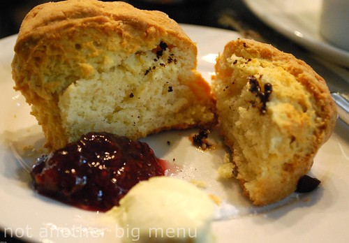 Bea's of Bloomsbury - Scone, clotted cream and jam