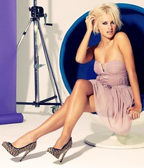 Pixie Lott (SVETLA-0) Tags: highheels legs hotlegs sexylegs crossedlegs shinylegs
