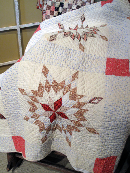 Vintage Star Bouquet Quilt