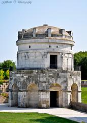 Il Mausoleo di Teodorico (Ravenna) (gilbertotphotography.blogspot.com) Tags: italy nikon italia unesco nikkor ravenna romagna mausoleo d90 goti teodorico nikonista