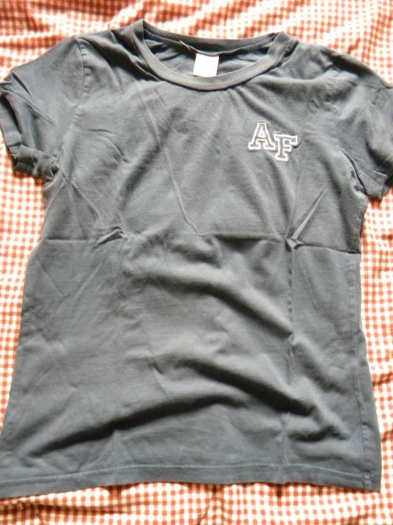 Abercrombie & Fitch - women's blue medium shirt - size MEDIUM - $5