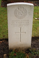 L.B. Gunson, War Grave, 1917, Minster, Royal Engineers (PaulHP) Tags: war grave minster thanet kent cemetery lloyd bee gunson sapper inland waterways and docks re royal engineers 31st july 1917 service number 205273 wiliam mary eliza edith ww1 cwgc military world one headstone