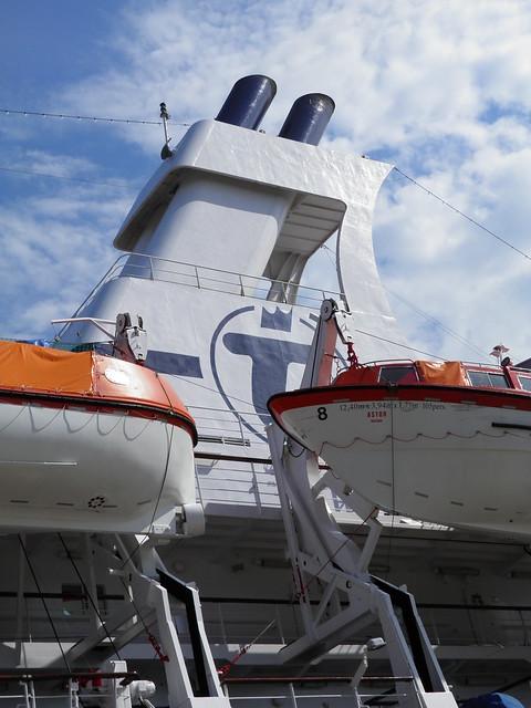 Paquebot Astor dans le port de Bordeaux - P9150090
