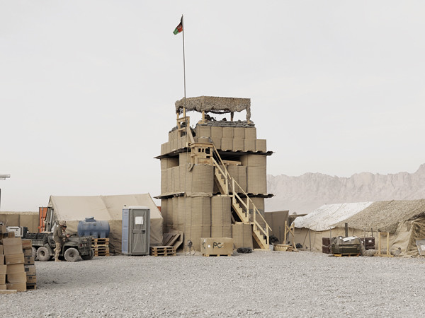 Watchtower. Combat Operating Post, Folad, Kandahar Province, Afghanistan, 2011. © Donovan Wylie