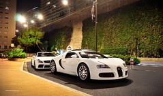 Bugatti and friend (Willem Rodenburg) Tags: world life white 3 black car monster night photoshop mercedes benz big nikon nightshot 33 4 picture engine picasa fast montecarlo monaco best special sl mc turbo mercedesbenz 164 series 16 nightlife carlo monte 1855 quick edition bugatti wit blanc supercar fastest 65 amg sl65 willem veyron lightroom v12 faster in biturbo quickest cilinder d90 quicker bigest cs5 hypercar rodenburg