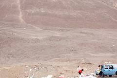Irresponsabilidad ecolgica (Mik Chile) Tags: chile miguel canon rebel basura ecologa fuentes silva xsi antofagasta incultura vertedero trush irresponsabilidad basural 450d desconsideracin mikchile