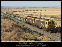 Mercantes que alegran el dia (Powell 333) Tags: madrid espaa train canon tren trenes eos spain duo railway trains cargo 7d powell railways japonesa freight mitsubishi japonesas ferrocarril renfe cisterna japo mercante adif ffcc mercancias castillejo japos operadora mercancia mercanca tolvas mercancas mercantes aover castillejoaover tolvasduo
