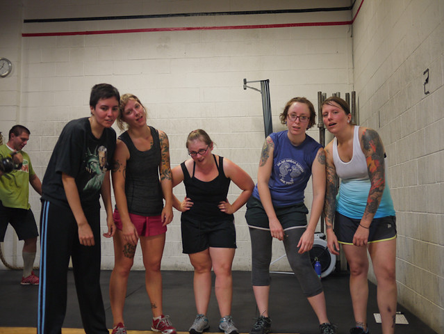 crossfit chicago straightedge ladies crew