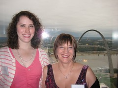 Gwen, Deborah Crombie and the St. Louis Arch