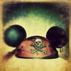 89/365- Ahoy! (elineart) Tags: hat photography florida disney mickey pirate app piratesofthecaribbean ahoy apps group3 iphone odc piratehat jacksparrow captainjacksparrow project365 i365 iphone4 iphonography elineart elineartphotography iphone365 picgrunger ourdailychallenge hipstamatic ourdailychallengegroup3 snapseed odcpirate