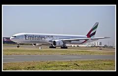 Emirates 777-300 taxing to Brisbane _19=