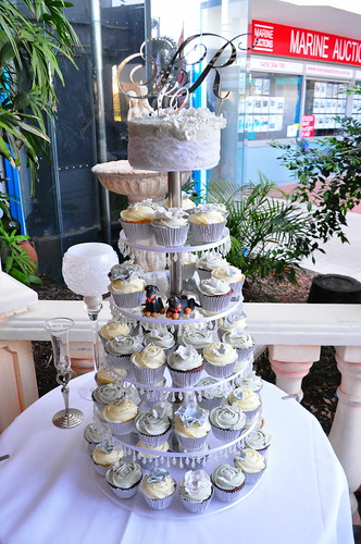 Pale grey and white wedding cupcakes