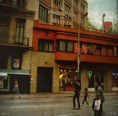 Vides metropolitanes / Metropolitan lives (Duarja) Tags: barcelona ltytr2 ltytr1 ltytr3 ltytr4 ltytr99 cruzadasii cruzadasi