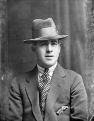 September 27, 1924 (National Library of Ireland on The Commons) Tags: 1920s portrait man hat saturday september mensfashion amusements trilby 27th 1924 glassnegative tramore westtown twenties nationallibraryofireland fredpiper frederickpiper ahpoole poolecollection arthurhenripoole freddiepiper