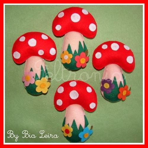 Cogumelos para um jardim encantador! by Feltronia by Bia Leira