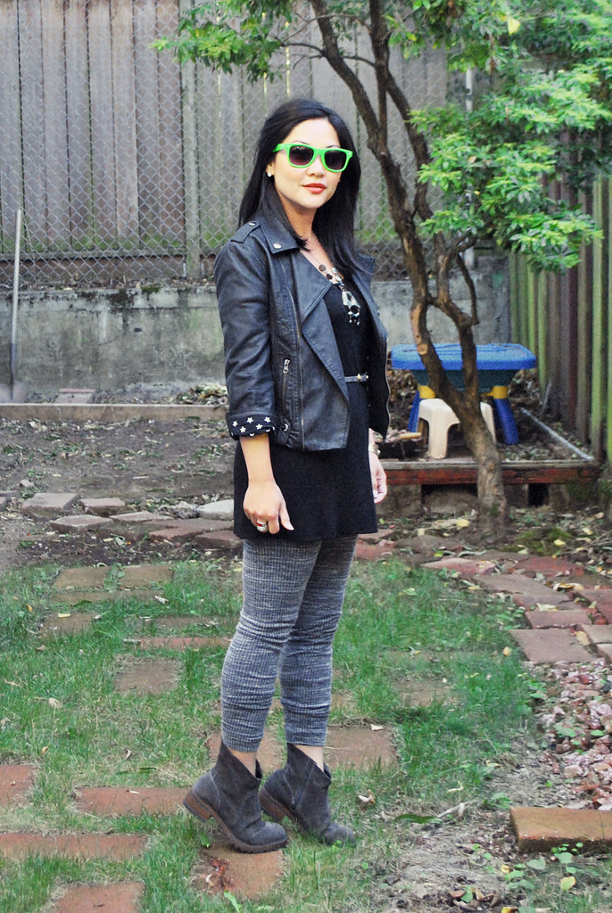 Outfit - Retro - Moto Jacket - Gray Leggings - Black Tunic - DIY Gray Ankle Boots - Fall