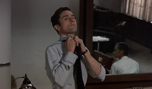 Studio head, Monroe Stahr (Robert De Niro)